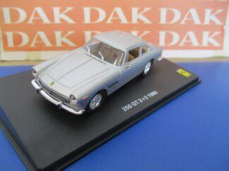 Die cast 1//24 1//27 Modellino Auto Fiat 126 2 serie bianca by Welly