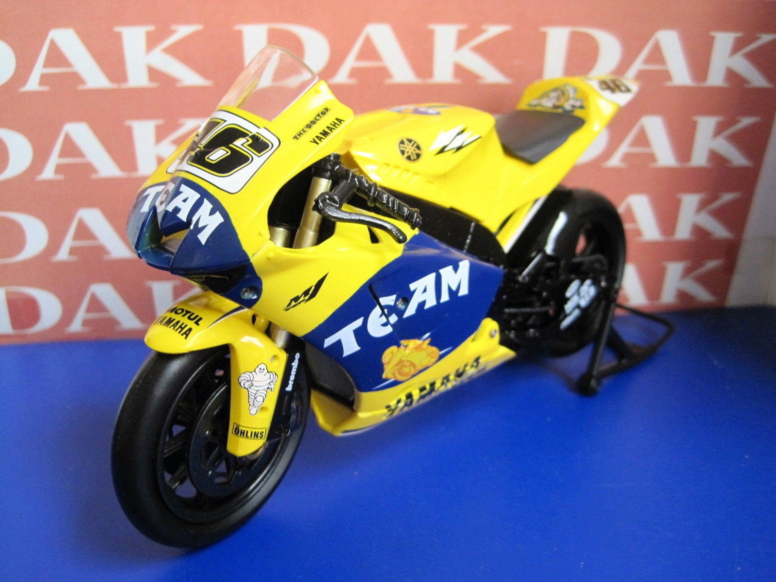the latest 18a20 6d6d8 Die cast 1/12 Modellino Moto Yamaha YZR-M1 N 46 Valentino Rossi 2006 by  Newray