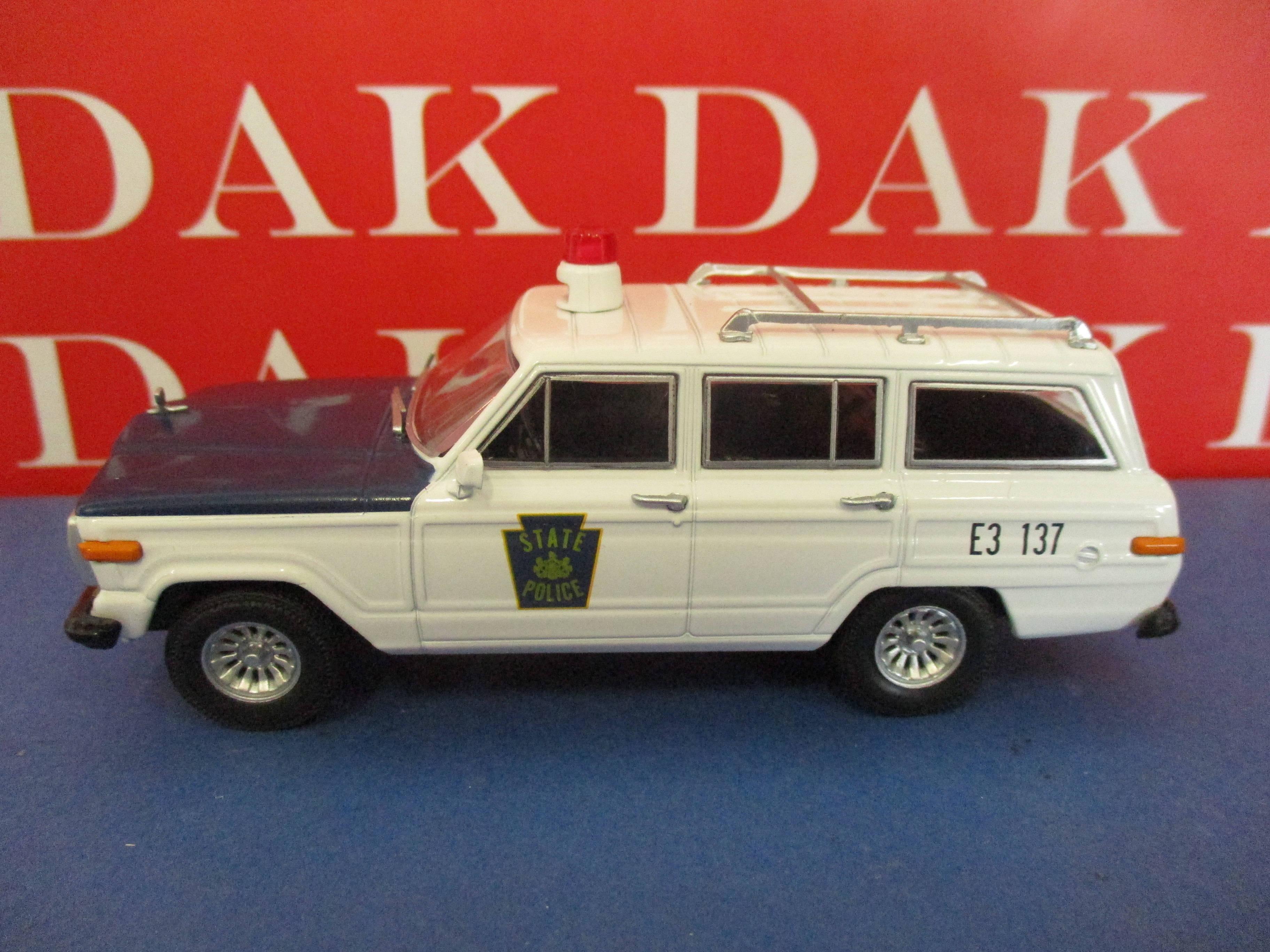 Die cast 1//43 Modellino Auto Polizia Police Ford Fairlane Oakland USA