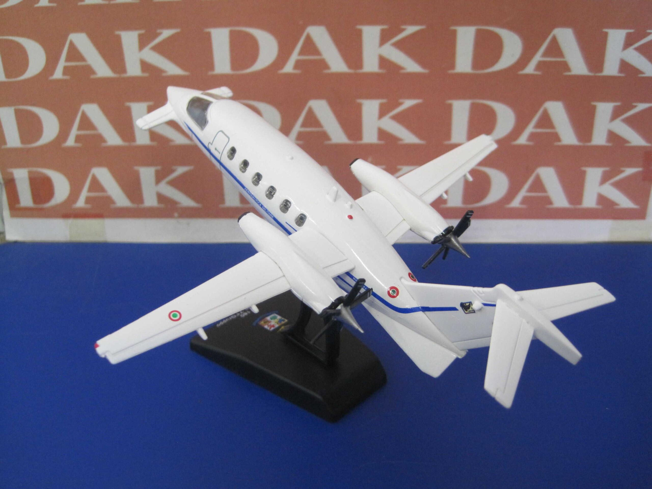Aereo Aeronautica Militare 1:100 PIAGGIO P180-14°Stormo 71° Gruppo 50