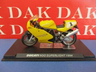 Die cast 1//24 Modellino Moto Ducati 996R Superbike Imola 2001 T.Bayliss